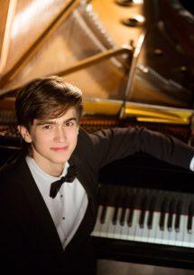 ダニエル・ハリトーノフ ピアノ・リサイタル2021